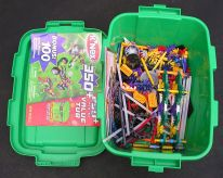 Green Tub of K'Nex